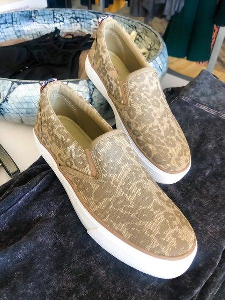 Leopard flicker sneakers