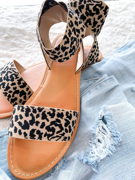 leo ankle strap sandal