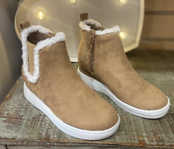 MIA Olyvia Wedge Boots