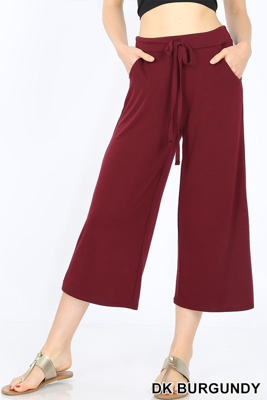 CROPPED LOUNGE PANT WITH DRAWSTRING WAIST AND SIDE POCKETS