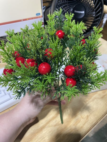 "11 "" Plastic Greenery w / Red Berries"