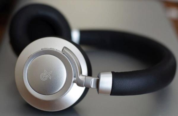 wave beach 3d wireless headphones