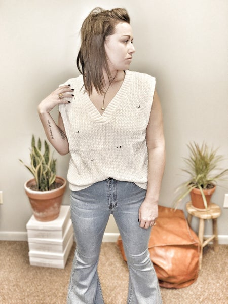 distressed staple sweater vest *Final Sale*
