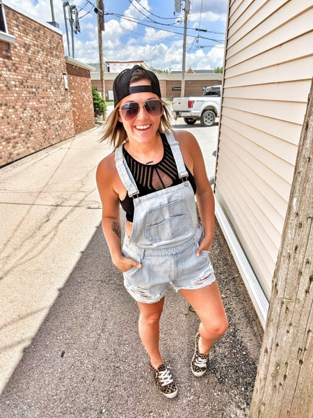hillbilly style overalls {SHORTIES}