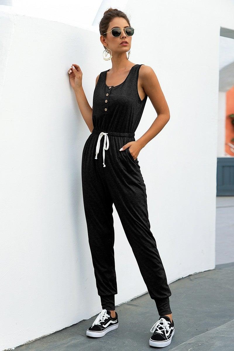 basic black jumper {size med}