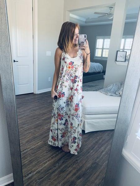 FLORAL WHITE POCKET DRESS