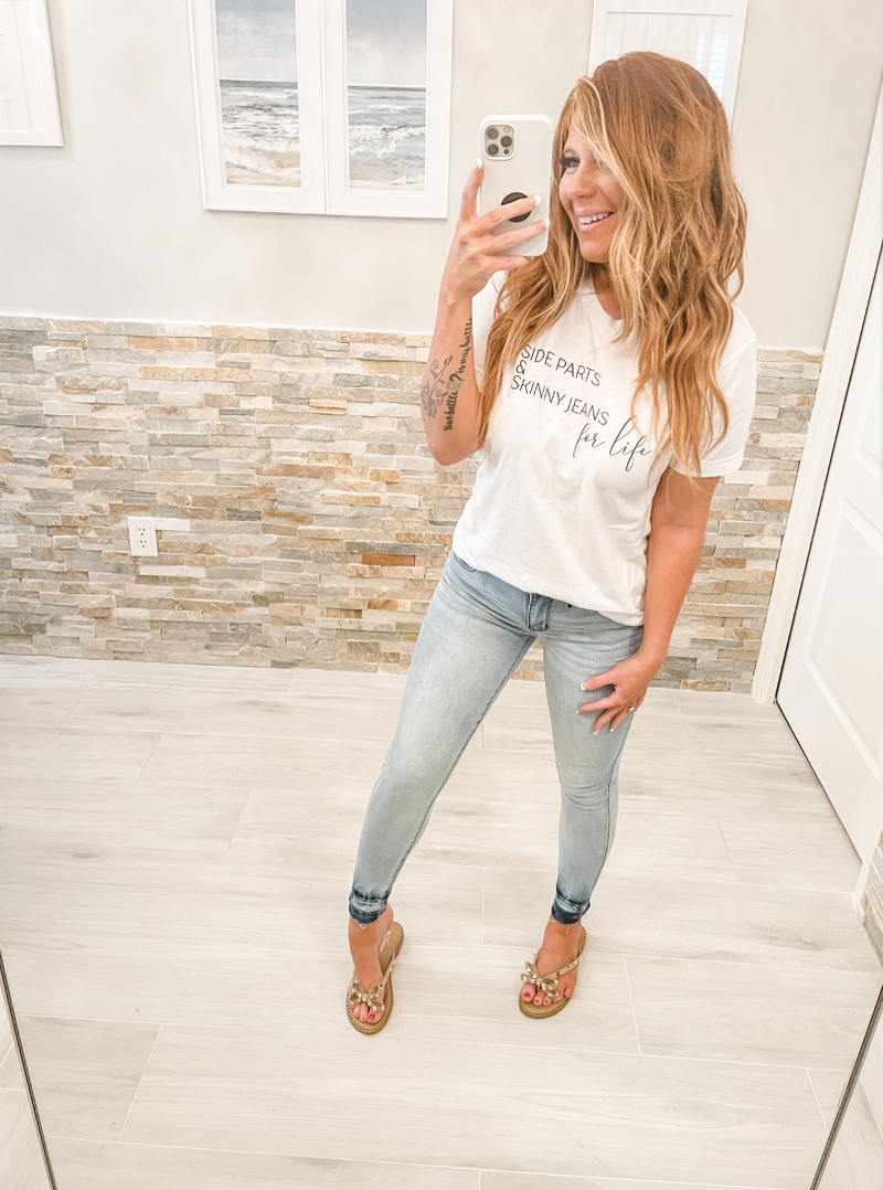 Side Parts & Skinny Jeans Graphic Tee