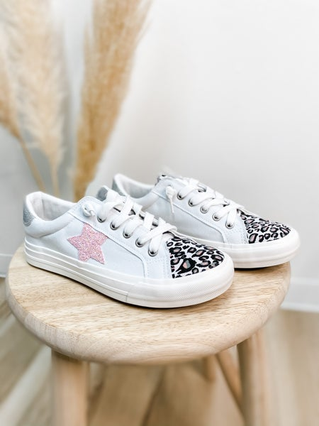 Trendy White & Pink Star Tennis Shoe