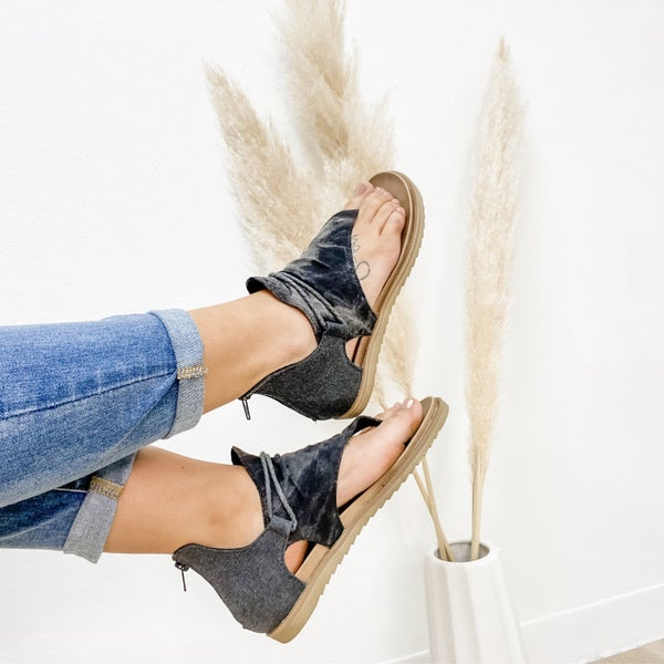 Vintage Black Zip Up Sandal