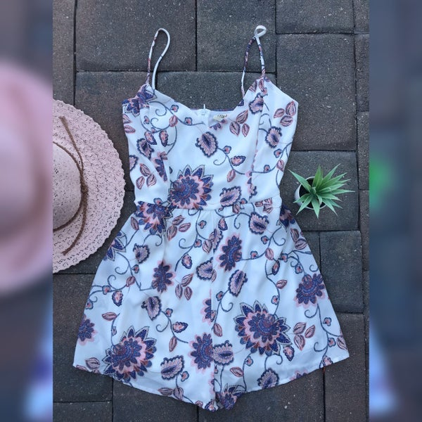 IVORY BLUE CORAL FLOWER WOVEN ROMPER
