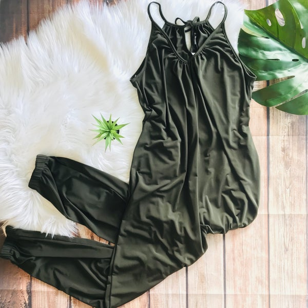 GREEN JUMPSUIT WITH POCKET