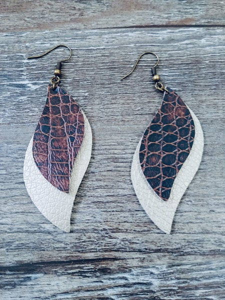TWO LAYERED GOLD AND SNAKE BROWN EARRINGS