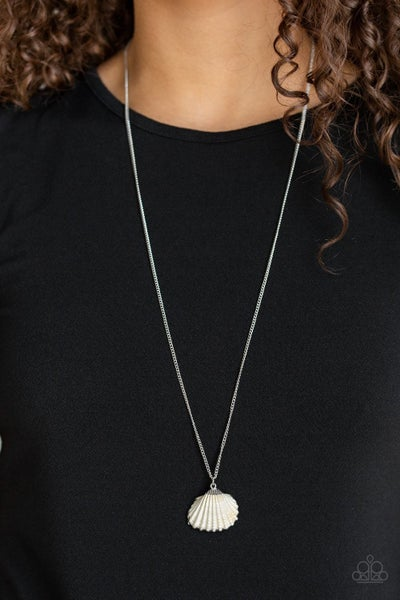 Show and SHELL - White Necklace