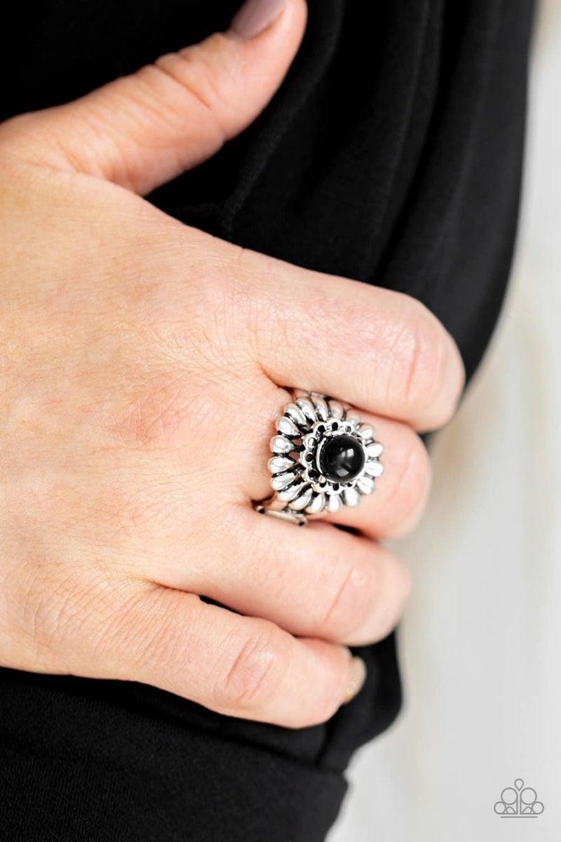 Poppy Pep - Black Ring