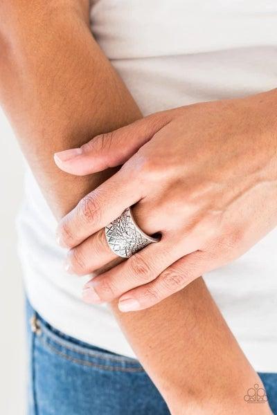 Villa Vibe - Silver Ring