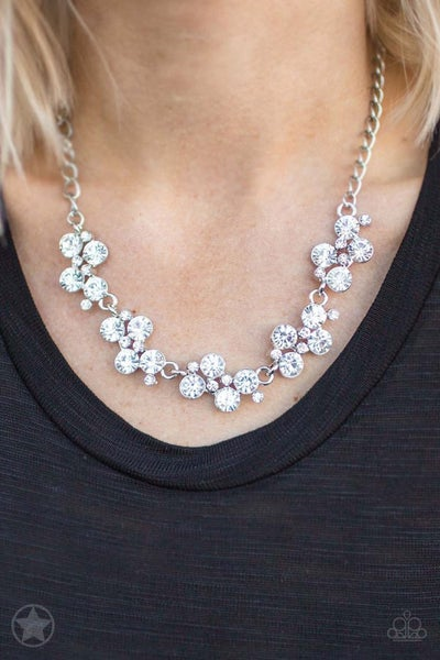 Hollywood Hills - White Necklace