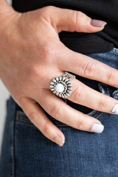 Poppy Pep - White Ring
