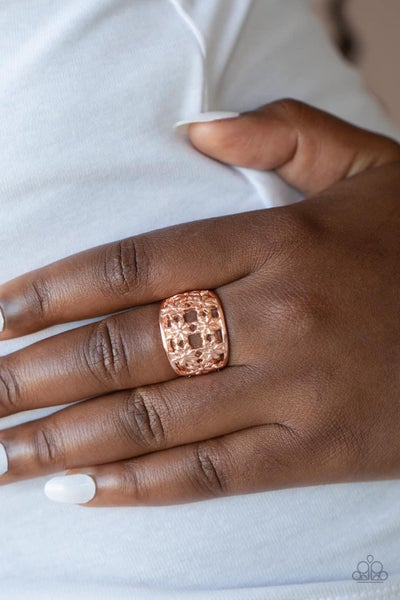 Crazy About Daisies - Rose Gold Ring