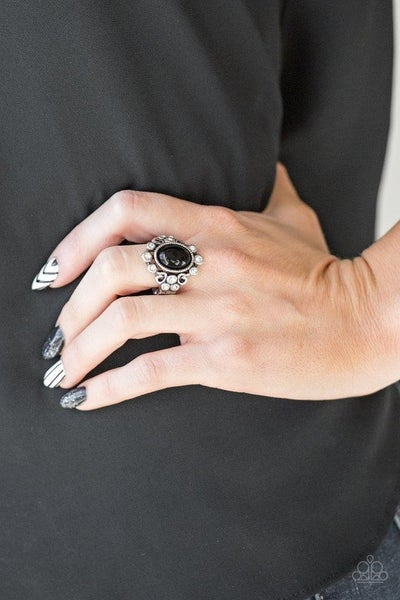 Noticeably Notable - Black Ring