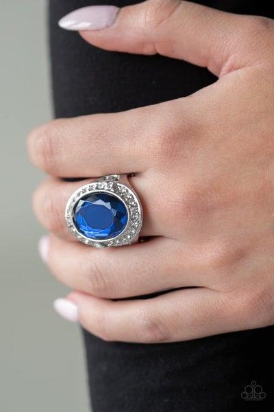 Queen Scene - Blue Ring