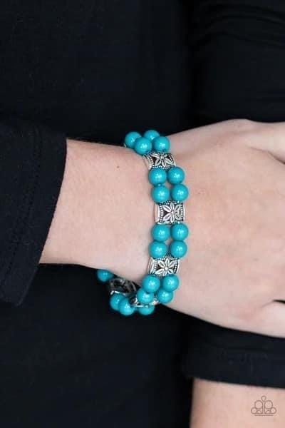 Daisy Debutante – Blue Stretchy Bracelet