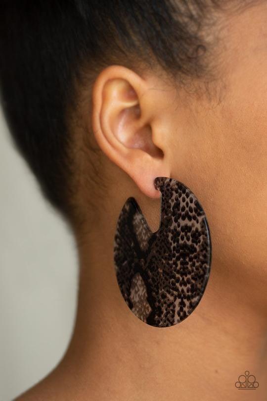 Hit Or HISS - Black Earrings