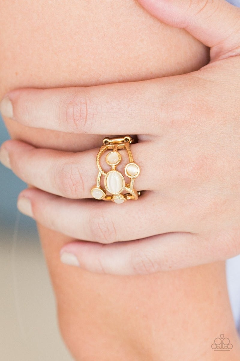 Moon Mood - Gold Ring