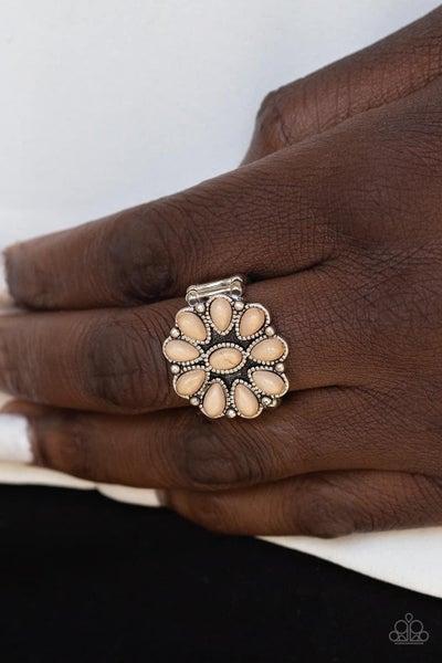 Stone Gardenia - Brown Ring