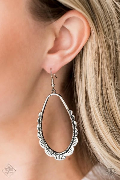 RUFFLE Around the Edges - Silver Earrings