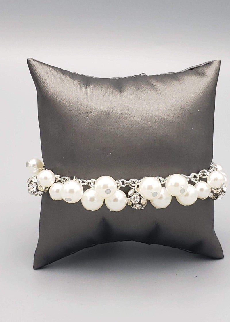 The GRANDEUR Tour - White Clasp Bracelet