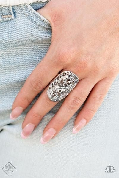 Pier Paradise - Silver Ring - August 2021 Fashion Fix