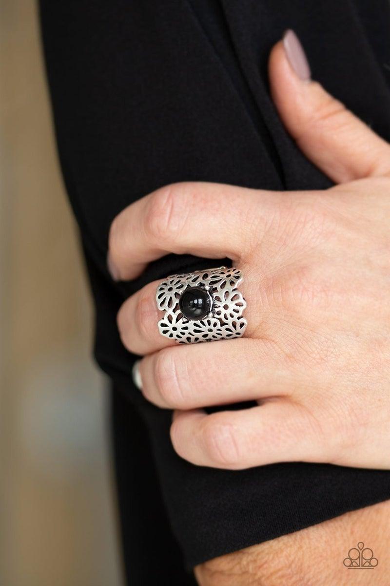 Flower Shower - Black Ring