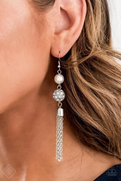 Going Dior to Dior - White Earrings