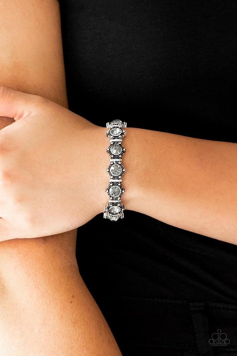 Strut Your Stuff - Silver Stretchy Bracelet