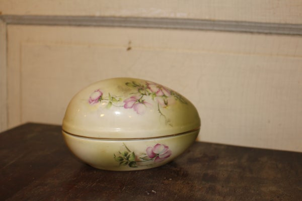Hand Painted Nippon China Egg