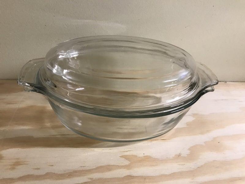 Anchor Hocking casserole dish 1.6qt