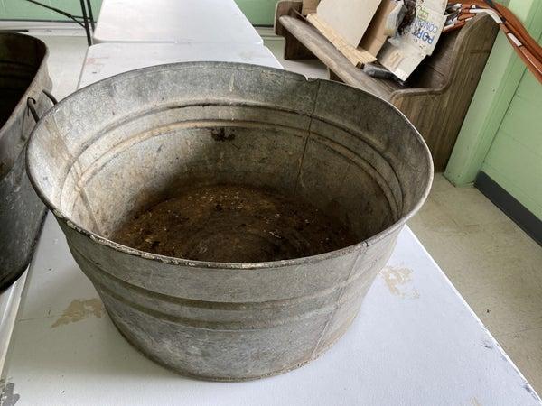 Round wash tub