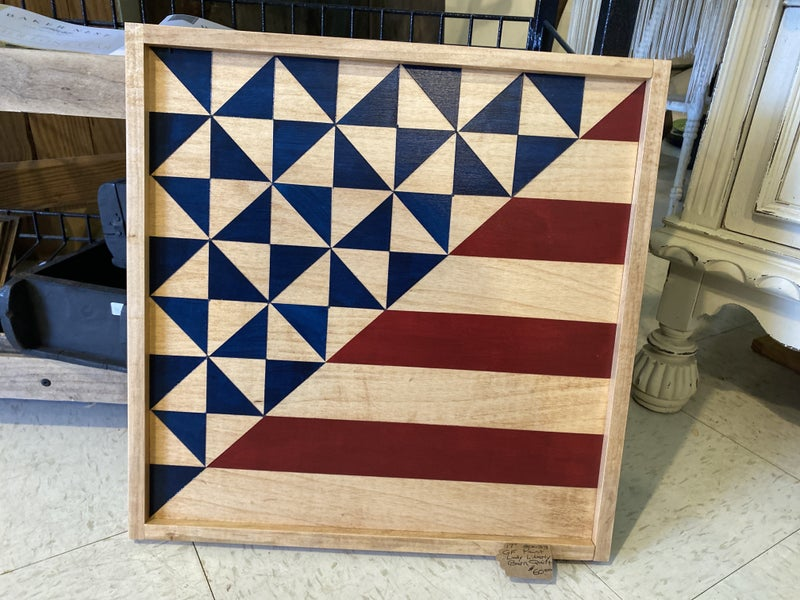 """Framed 17"""" Lady Liberty Barn Quilt"""