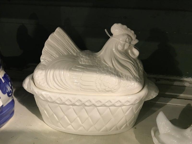 White Hen Soup Server