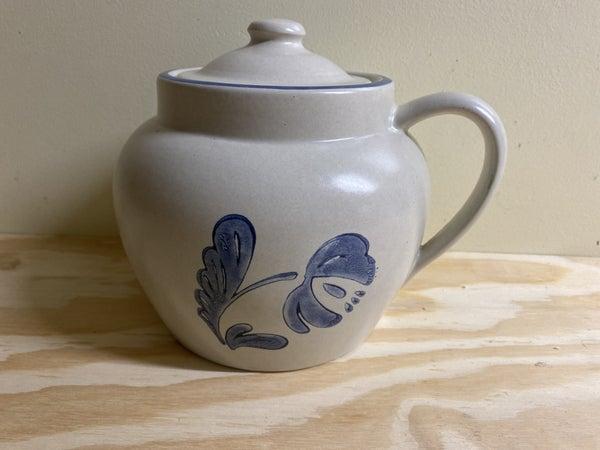 Blue flower bean pot