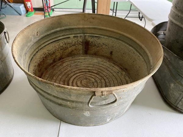 Large round wash tub