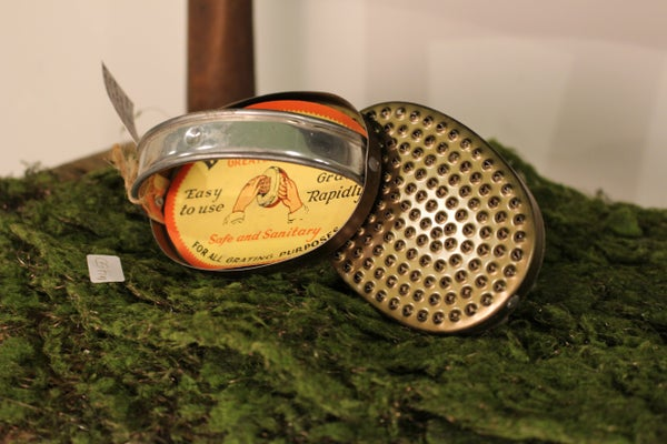 Vintage Bromwell's Greater-Grater Hand Held Tin