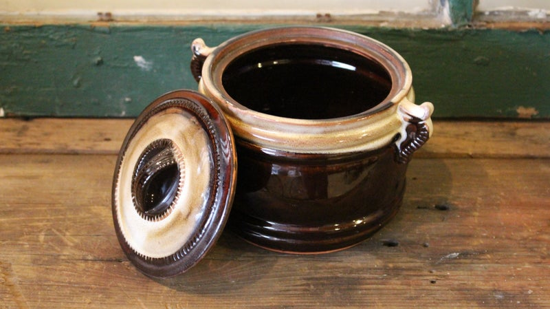 Bean Pot with Four Bowls