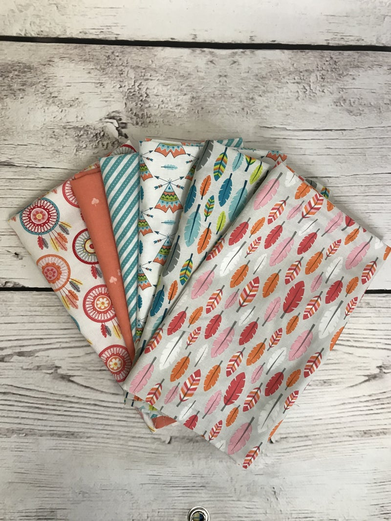 Fat Quarter Bundle (6) Feathers