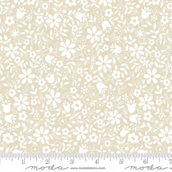 Moda Whisper - Flower Patch in Natural - One yard cut