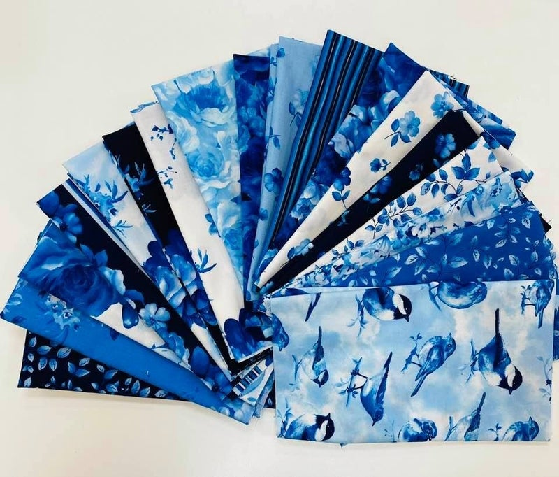 Fat Quarter BUndle Timeless Blues (18)