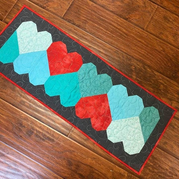 "Kit: Play Hearts Runner 14"" x 38"""
