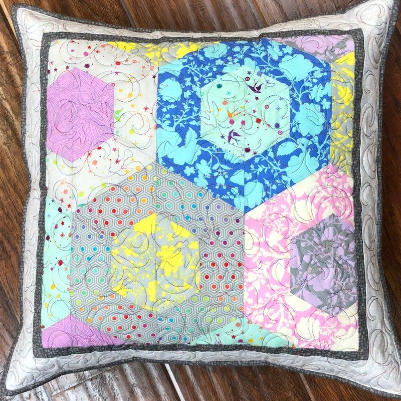 Kit:  Jawbreaker Pillow True Colors  NEED PATTERN