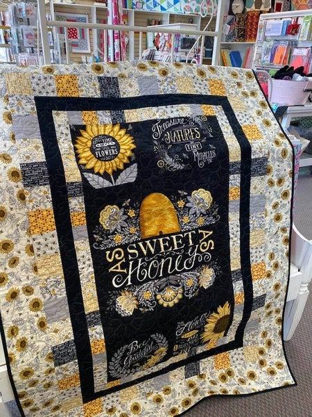 "Kit:  Bee Grateful Peaceful Patchwork  46.5"" x 64.5""  Ptrn Inc. (3 Colors)"