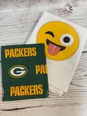 Kit: Emoji Packers Towel Cowl (inc. pattern)